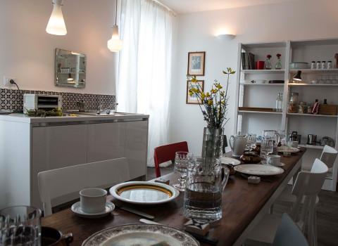 La stanza della colazione con camino