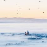 Assisi tra le nuvole. foto di Marco Giuglierelli